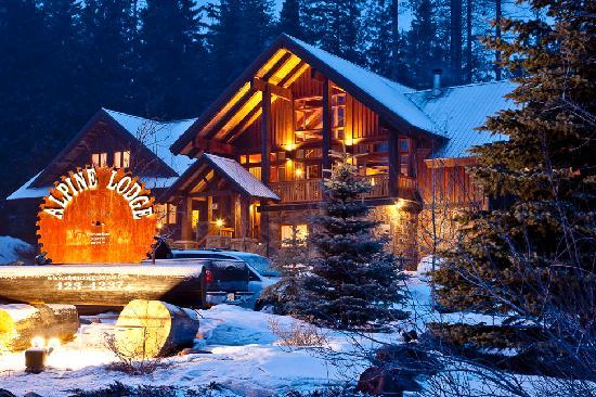 Alpine Lodge Fernie: Mountain style construction