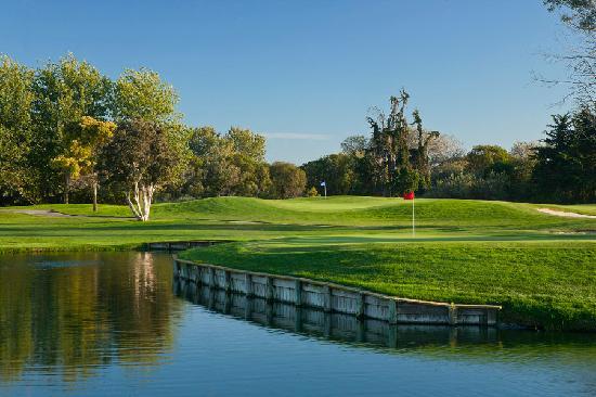 Lake at Buenaventura Golf Course in Ventura, CA