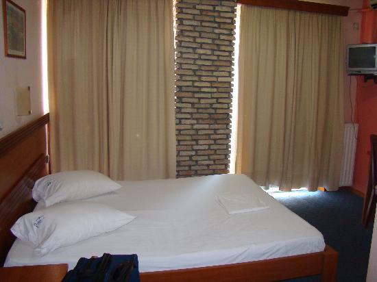 Acropole Hotel : Room