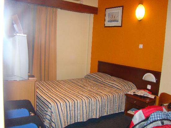Athens Cypria Hotel: Our Room