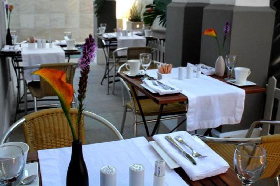 4 On Varneys: Breakfast Terrace