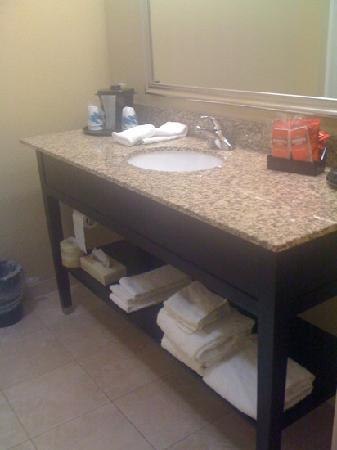 La Quinta Inn & Suites Hammond: Bathroom