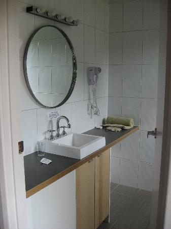 Parsons Bay Retreat : Bathroom