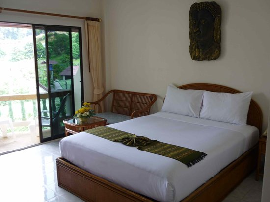 Palmview Resort Patong Beach: another of the room