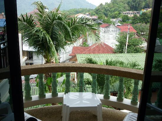 Palmview Resort Patong Beach: view out the window - real Thailand!