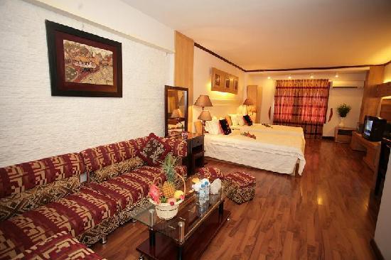 Dolphin II Hotel: chambre