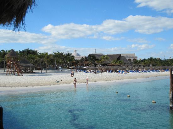 show topic favorite travel book cancun yucatan peninsula