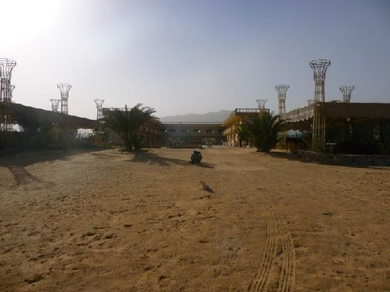 Ciao Nuweiba Hotel: Deserted in the desert