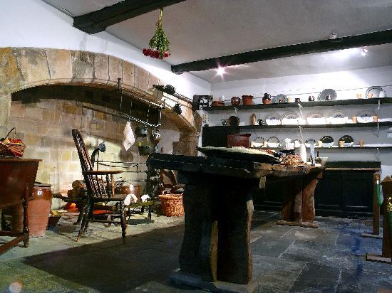 Chorley, UK: Elizabethan Kitchen-Astley Hall - 2010