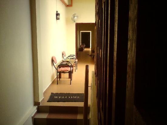 Da Som Inn: the corridor