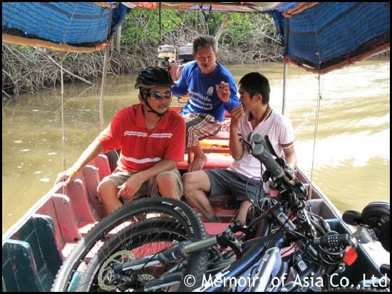 Memoirs of Asia Day Tours: with the boat through mangrove forests