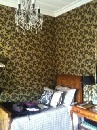 Eden Park Bed & Breakfast: The blue room. 2 beds. Lovely decorated.