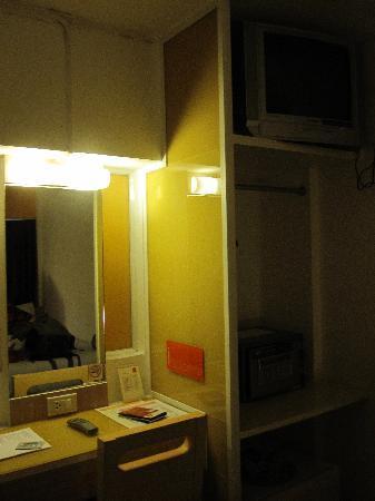 The Inn Saladaeng: Desk