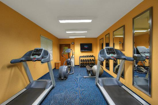 TownePlace Suites Manchester-Boston Regional Airport: 24-Hour Fitness Center