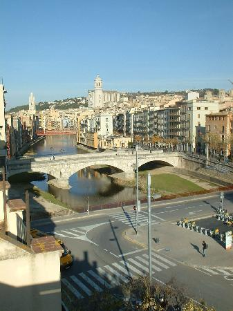 Equity Point Girona Hostel: view from the roof terrace