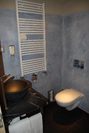 Haje Hotel Heerenveen: bathroom