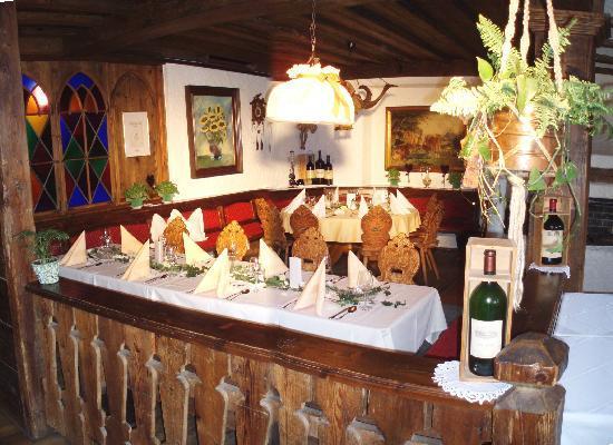 Wirtshaus Nattererboden: Restaurant mit österreichischer und Tiroler Küche