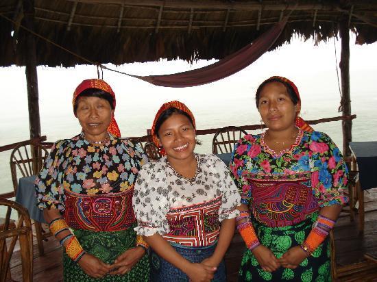 Yandup Island Lodge: the ladies who served us