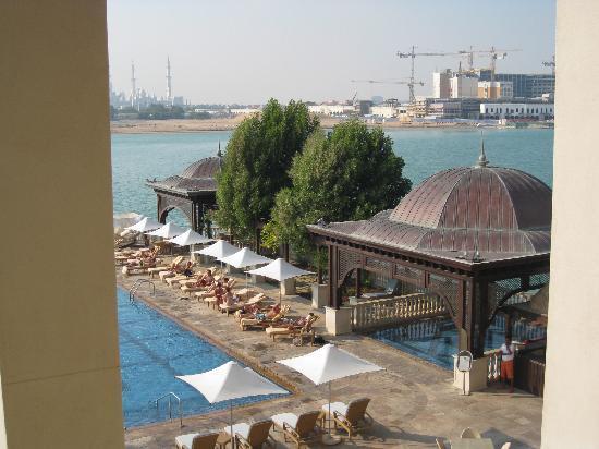 فندق شانغريلا قرية البري أبو ظبي: Roof Top Pool