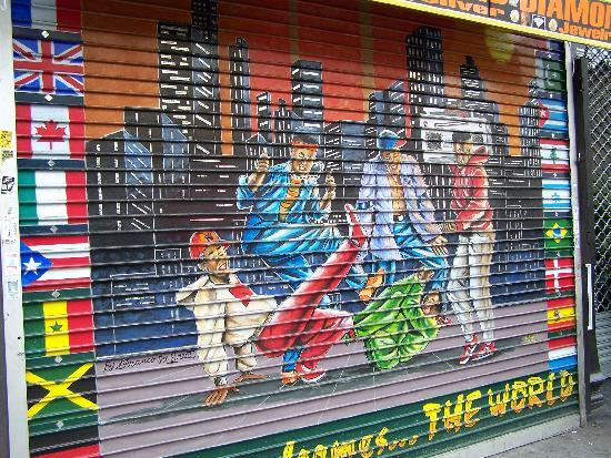 Welcome to Harlem: Franco The Great Store Gate Painting