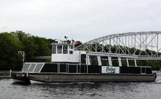 Connecticut River Expeditions - RiverQuest: The vessel, RiverQuest