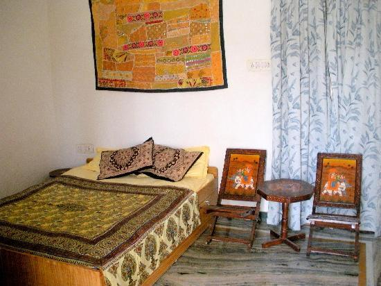 Chandra Niwas Homestay: room 2