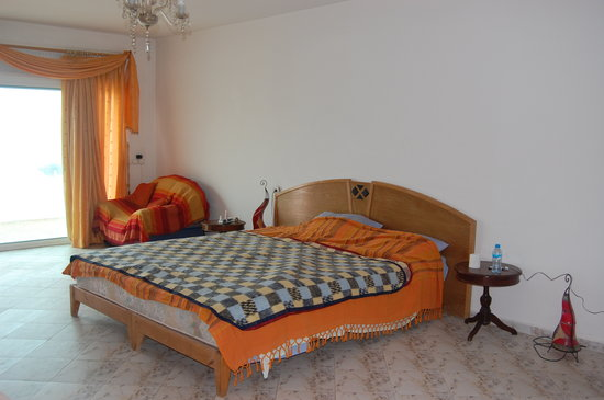 Pure Blue Surf Adventures Morocco : Our room