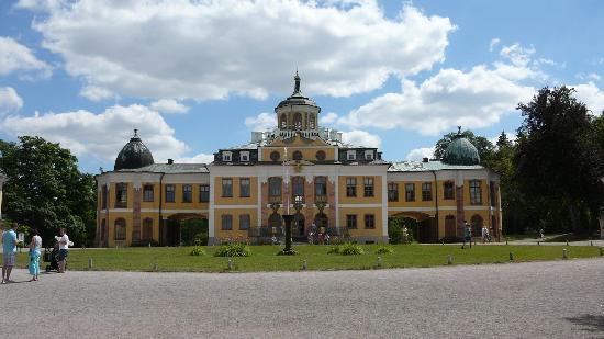 Schloss Belvedere: Schloss Frontalansicht