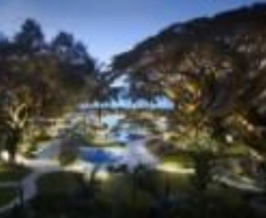Shangri-La's Rasa Sayang Resort & Spa Thumbnail