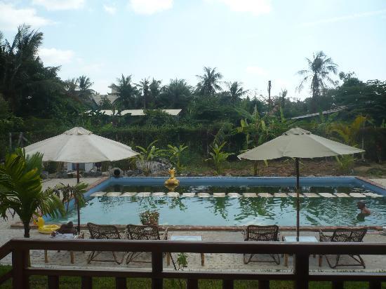 Au Cabaret Vert : la piscine