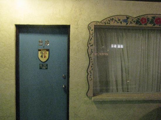 Swiss Alps Inn: clean and hand painted trim