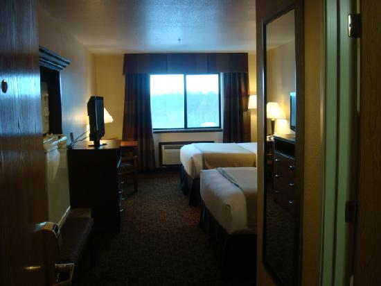Holiday Inn Express Morgantown: Two Queens Standard