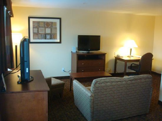 Holiday Inn Express Morgantown : Two Queens Business Suite