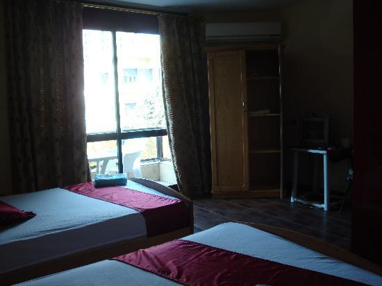 Mandarin Hostel: view to balcony