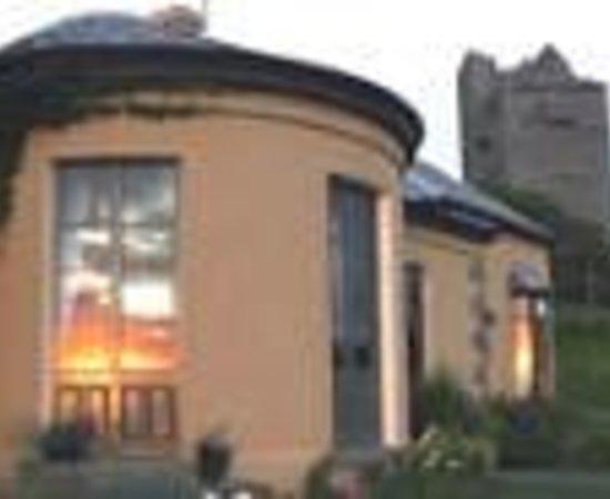 Ballinalacken Castle Country House 사진