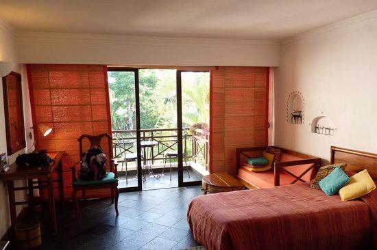 Shangri-La Village Pokhara: Zimmer