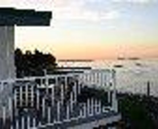 Qualicum Beach House Thumbnail