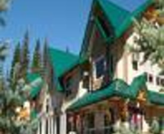 Chateau World of Resort Banff Gate Mountain Lodge and Spa Thumbnail