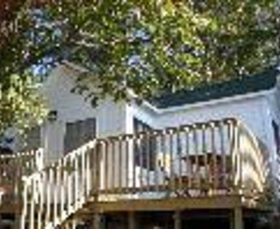 Horseblock Point Cottages: Horseblock Point Cottages Thumbnail