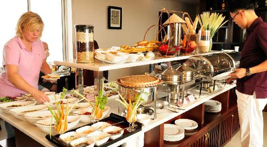 Anise Hotel: Buffet Breakfast