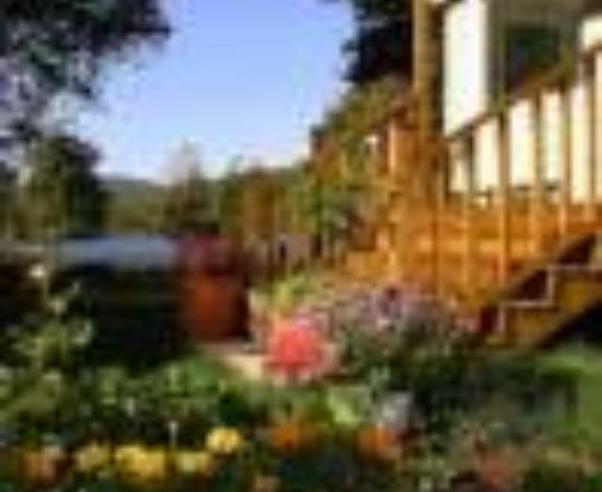 English Country Garden B&B Thumbnail
