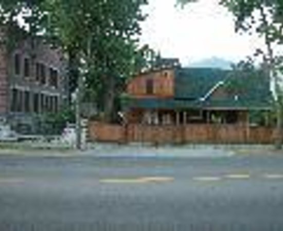 Luna Grand Forks Bed and Breakfast Thumbnail