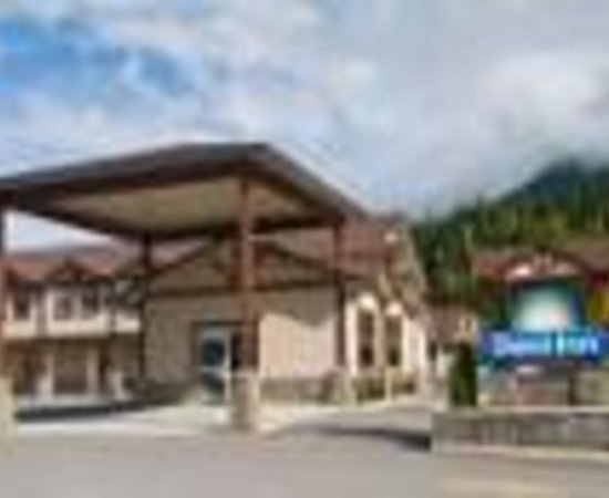 Days Inn & Suites Revelstoke: Days Inn & Suites Thumbnail