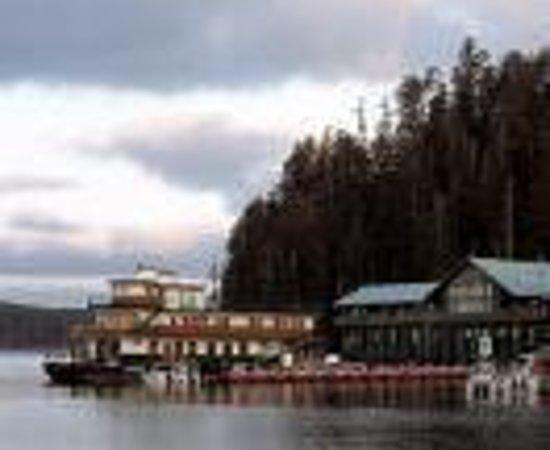 Haida eagle totem pole old massett picture of haida for Canada fishing lodges