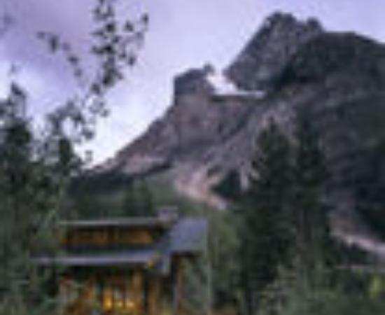 Cathedral Mountain Lodge Thumbnail