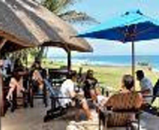 سالت روك هوتل: Salt Rock Hotel & Beach Resort Thumbnail