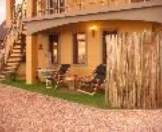 Umnenge Lodge & Charters: Umnenge Lodge Thumbnail