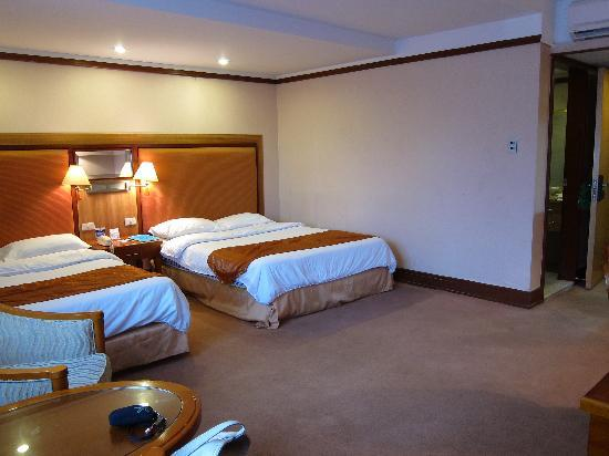 Subic International Hotel: Room