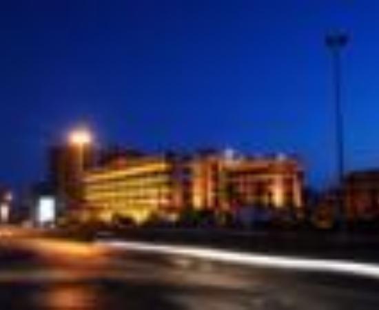 Golden Tulip Galleria Hotel: Galleria Hotel Thumbnail