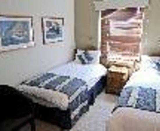 แอชลี่ย์ วิลล่า เกสท์เฮ้าส์: Ashley Villa Guest House Thumbnail